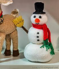 frosty snowman knitting bee