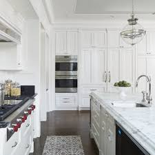 georgian kitchen traditional with colonial trim and border tiles