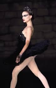 Black Swan Costume Halloween 25 Black Swan Ideas Black Swan Movie