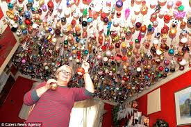 sylvia pope decorates house with 1 700 baubles from