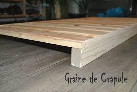 fabriquer tiroir sous lit construire lit fabriquer un lit en palette comment faire