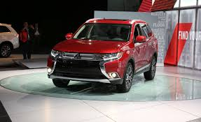 red mitsubishi outlander 2016 mitsubishi outlander photos and info u2013 news u2013 car and driver