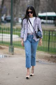 how to dress up jeans and a t shirt to look more chic