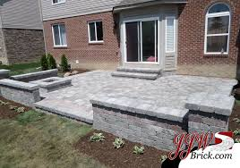 Brick Paver Patio Design With Brick Seating Wall And Pillars - Patio wall design