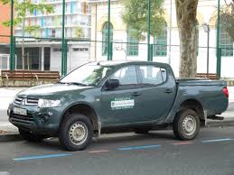 mitsubishi trucks 2016 file mitsubishi l200 park ranger truck donostia san sebastian