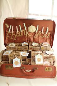 how much to give at wedding best 25 wedding favor table ideas on pinterest wedding favours