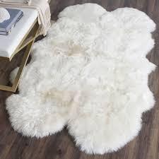 White Fur Rugs Best 25 White Fur Rug Ideas On Pinterest Bedroom Ideas