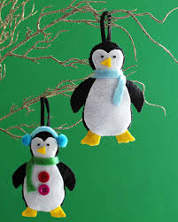 make your own adorable felt penguin ornaments for the holidays