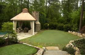 Building A Backyard Putting Green Diy Backyard Putting Green Real Grass Backyard And Yard Design