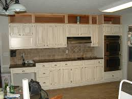 Can Kitchen Cabinets Be Refinished Glazing Kitchen Cabinets As Easy Makeover You Can Do On Your Own