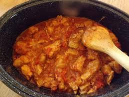 cuisiner le veau en cocotte goulasch de veau en cocotte warmcook paperblog