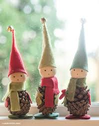 Garden Crafts To Make - these darling pine cone elves are easy to make and go perfectly