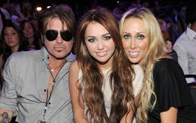 rachel ray divorced or marrird miley cyrus mother tish files for divorce from billy ray cyrus