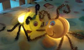 fireflies or lightning bug craft from plastic eggs woo jr kids