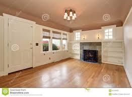 pittura soffitto salone accogliente con la pittura interna soffitto della rosa