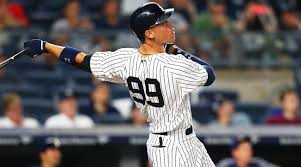 Aaron Judge Breaks Joe Dimaggio S Yankees Rookie Home Run Record - aaron judge hits 30th home run sets yankees rookies record si com