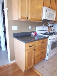 what color countertops go with maple cabinets paint colors that go with natural maple cabinets coryc me