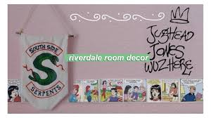 inspired decor diy riverdale room decor easy inexpensive tv show inspired