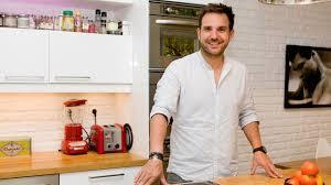 cuisine christophe christophe michalak reportage dans la cuisine du chef pâtissier