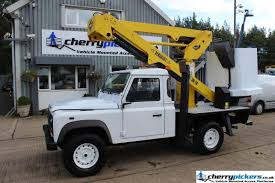 land rover defender 2010 2010 land rover defender puma versalift access platform cherry