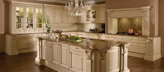 cuisines amenagees cuisine versailles de luxe laque style traditionnel cuisines