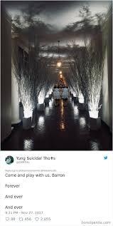 christmas decorations 30 hilarious reactions to melania s creepy white house