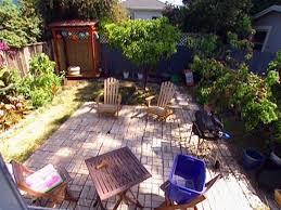 Diy Small Backyard by Beautiful Backyard Makeovers Diy