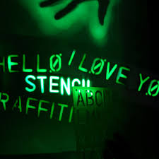 glow in the spray paint glow graffiti light spray paint with light the green