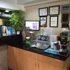 Hotels Near Six Flags Springfield Ma Book Red Carpet Inn West Springfield In West Springfield Hotels Com