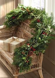 Outdoor Christmas Garland Decorating Ideas by 672 Best Christmas Flowers And Decor Images On Pinterest