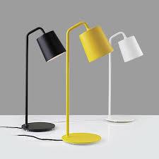 le de bureau jaune moderne minimaliste le de table en métal pour salon chambre étude