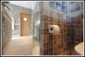 how to make a small bathroom look bigger planahomedesign