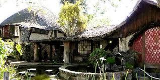artist house disney artist built a u0027hobbit u0027s house u0027 in la and it u0027s absolutely