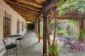 Spanish Style Courtyards by Romantic Spanish Style Compound In Pasadena Asks 1 2m Curbed La