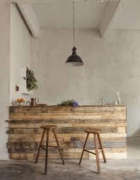 cuisine en palette bois palette en bois transformée en bar de cuisine palettes