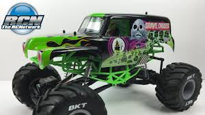 monster trucks grave digger crashes axial smt10 grave digger 1 10th 4wd monster truck unboxing and