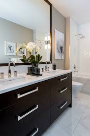 Brown Bathroom Cabinets by Best 25 Dark Cabinets Bathroom Ideas Only On Pinterest Dark