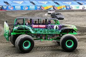 power wheels grave digger monster truck patriots take a ride before monster jam new england patriots