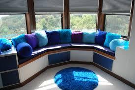 beautiful modern bay window decoration design with grey roller