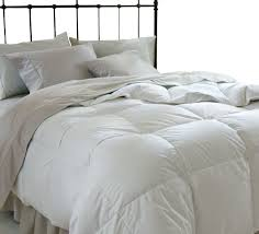 luxury down comforter provides medium warmth for year round