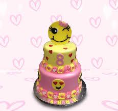 wedding cake emoji emoji cake by mstreatz http cakesdecor cakes 295358 emoji