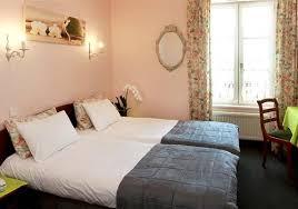 chambre et les chambres et duplex de l hôtel 2 étoiles le prieuré à locronan