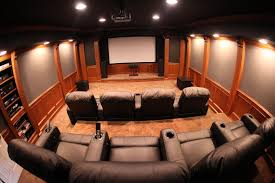 interior spacipious home theater room interior design with red