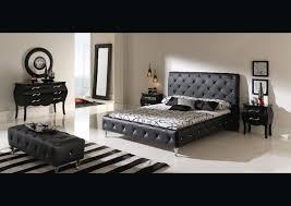 chambre avec lit noir tete eclairage neiges chambres noir comment maison lit delit chevet