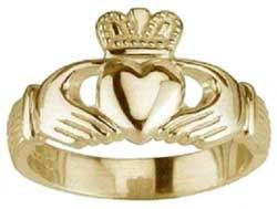 claddagh ring meaning claddagh ring celtic jewelry ireland calling