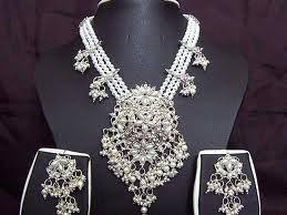 world s most expensive earrings 7 of the worlds most extravagant pieces of jewelry worn