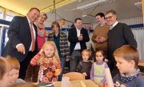 Kreisverwaltung Ahrweiler Max Und Moritz Haben Neues Dach über