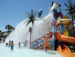 Six Flags Los Angeles The Best Places In L A To Beat The Heat With The Family