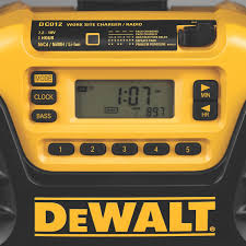 dewalt dc012 worksite charger radio amazon ca tools u0026 home