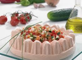 cuisine bavaroise de gaspacho avec vinaigrette de légumes